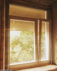 Деревянное окно цвет сосна