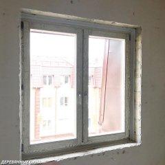 Окно из дуба в квартире