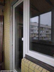 Монтаж балконного блока из лиственницы